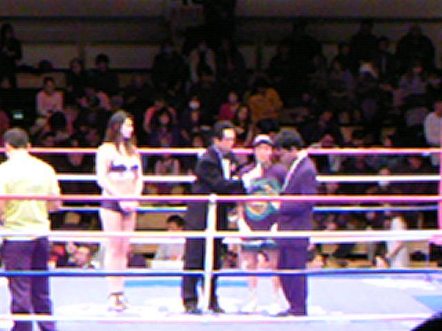 女性ボクシング観戦